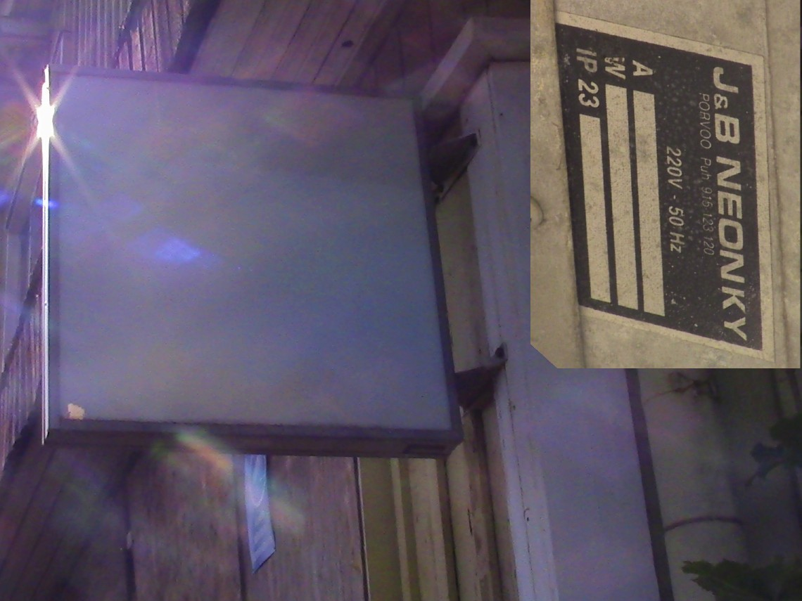 IMG_3210_neon.jpg